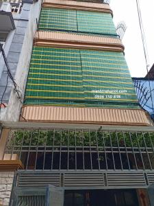 Lắp đặt mành nhựa che nắng mưa ban công nhà phố
